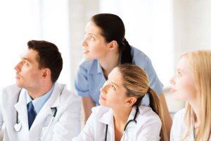 orvosok-figyelem-gyogymodok